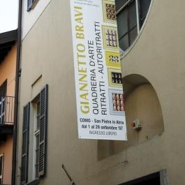 giannetto-bravi-quadreria-darte-150-ritratti-autoritratti-ex-chiesa-di-san-pietro-in-atrio-como-08.jpg